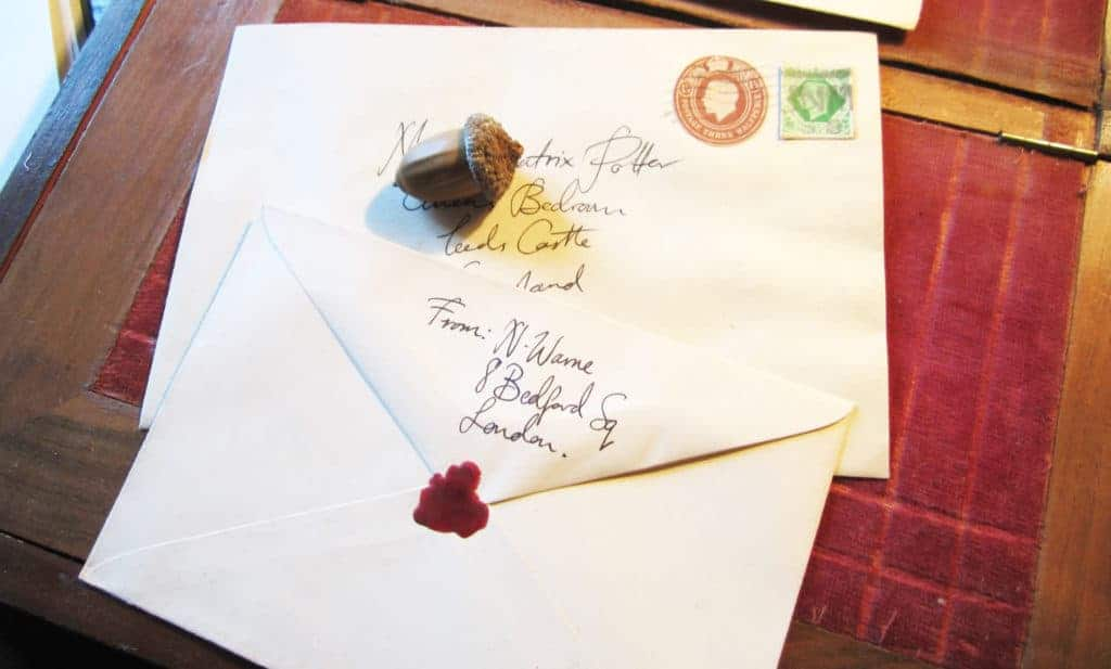 hand-addressed-letters-and-envelopes